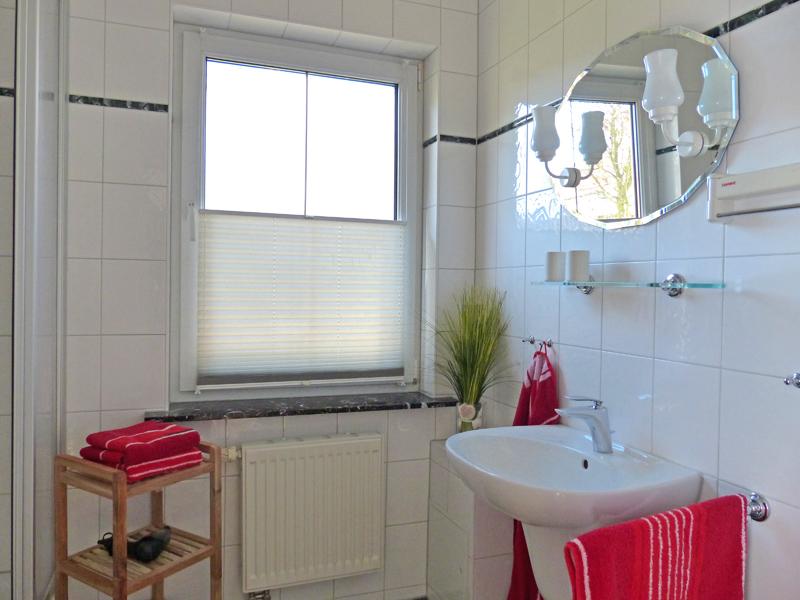 FH Duschbad mit Fenster